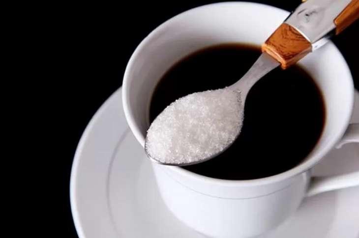 Диетолог дала советы по употреблению кофе, чая, сахара и молока