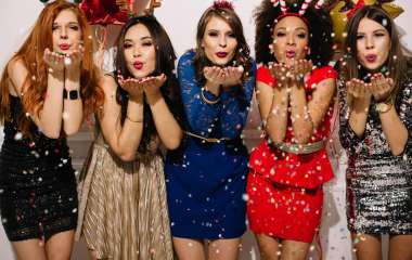 Какой фасон платья выбрать на Новый год?