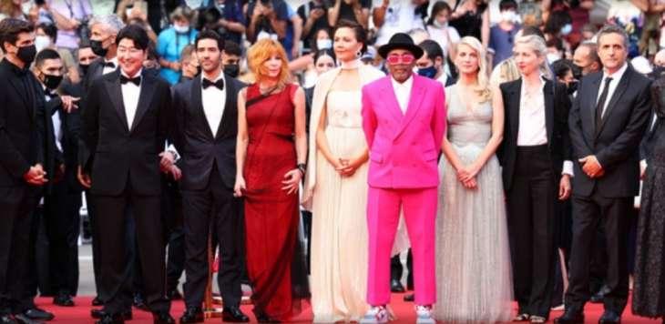 Составлен рейтинг самых худших нарядов звезд на Каннском кинофестивале