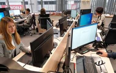 Ортопед дала советы работающим за компьютером людям