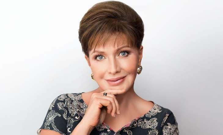 «Мне было 12 лет»: Елена Проклова рассказала о домогавшемся до нее режиссере-извращенце