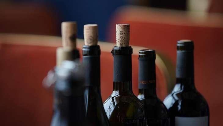 Стоматолог рассказал об опасности алкоголя для здоровья зубов