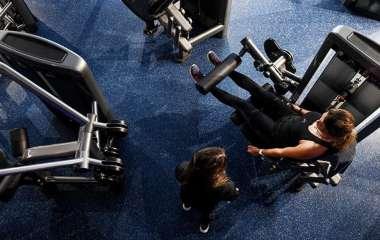 Ученые рассказали о влиянии тренировок поздно вечером на здоровье