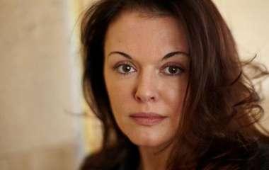 «Мерзко целовал вшею»: Ксения Хаирова назвала имя режиссера, который еегрязно домогался