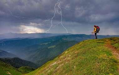 Что делать во время грозы, чтобы избежать удара молнией