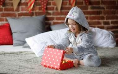 Як обрати подарунок дівчинці на День святого Миколая?