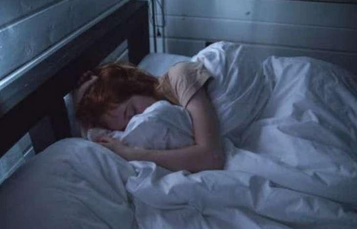 Не обязательно инфекция: врач рассказал о возможных причинах кашля ночью