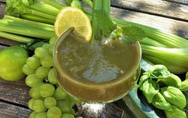 Сок из сельдерея: эксперт говорит о полезных свойствах и побочных эффектах