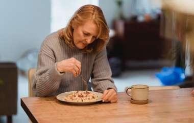 Как перестать есть перед сном: 6 простых стратегий