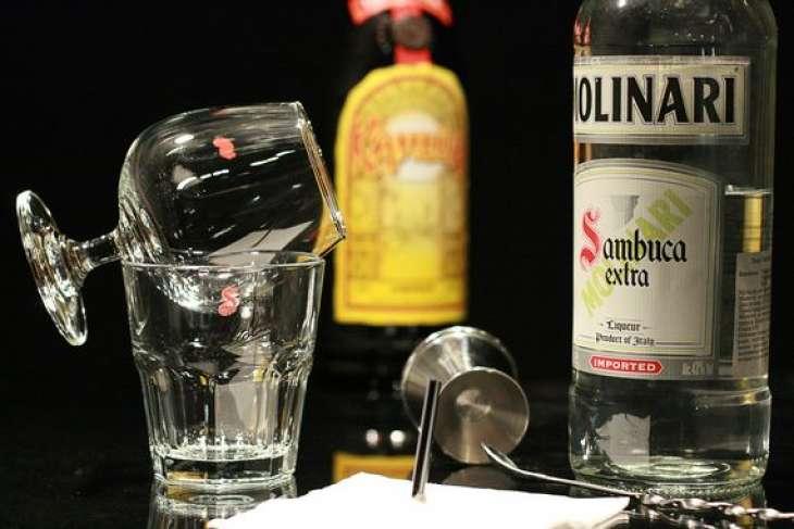 Как правильно пить самбуку: 5 свежих идей