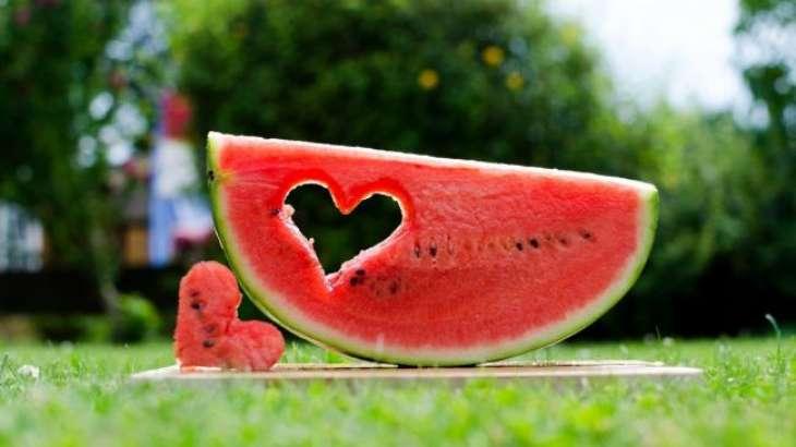 Сезон арбузов: плюсы и минусы полосатой ягоды для здоровья