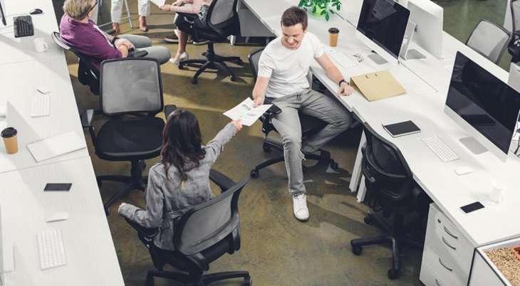 Врач рассказал о последствиях нарушения осанки при сидячей работе