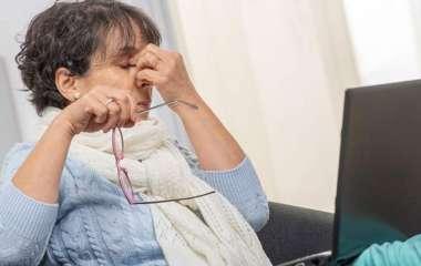 Невролог назвал симптомы рассеянного склероза