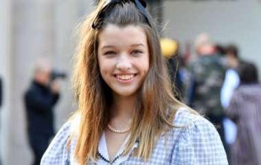 Просто красавица: старшая дочка Миллы Йовович засветилась на модном показе бренда Miu Miu