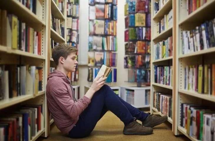 Ученые назвали книги, улучшающие работу мозга и качество жизни