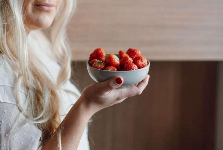 Диетолог рассказала, чем опасен ягодный детокс