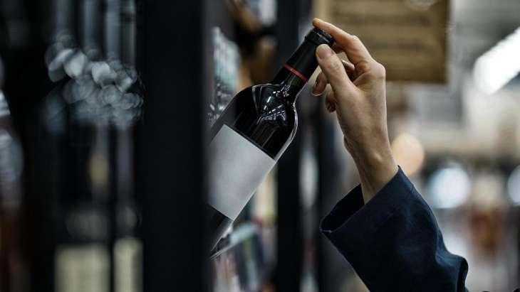 Врач развеял миф о вреде сухого вина для желудка