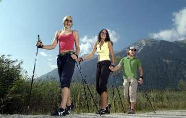 Скандинавская ходьба для похудения: преимущества, противопоказания, основные правила
