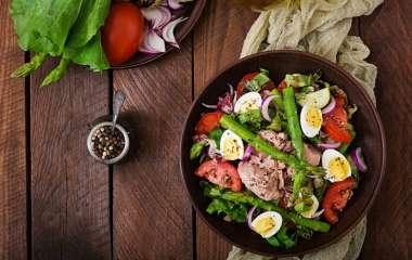 5 оригинальных салатов из рыбы и морепродуктов