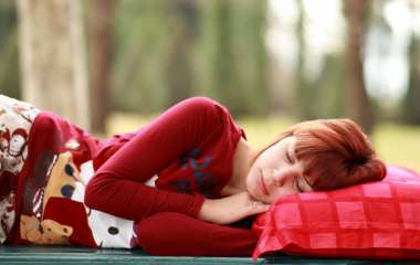 Неврологи доказали опасность нехватки сна