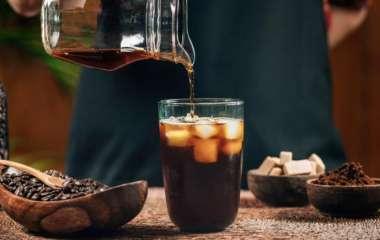 Холодный кофе жарким утром: о преимуществах колд-брю рассказал американский диетолог