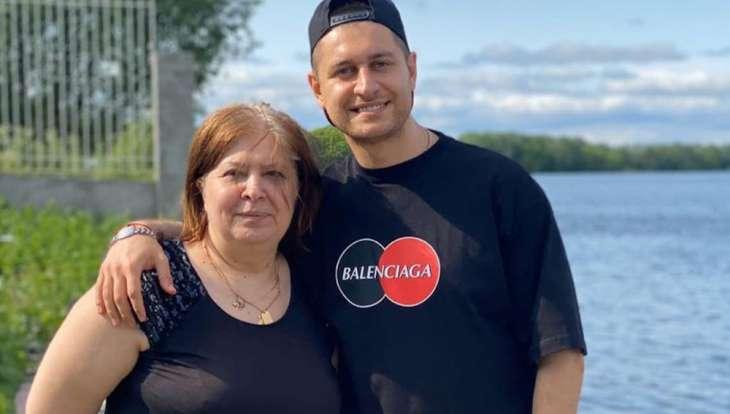 Проплаченные с*ки: Бабушка Давы с бранью накинулась на телеканал Россия и Сергея Лазарева
