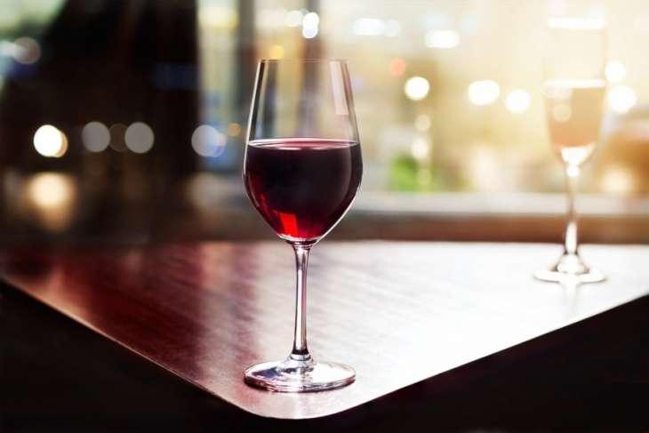 Кардиолог назвал допустимую ежедневную дозу алкоголя