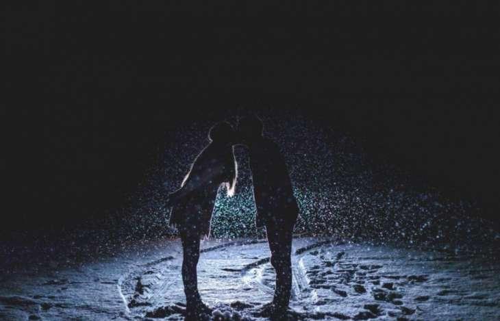 Как разные знаки Зодиака выражают свою любовь не говоря ни слова