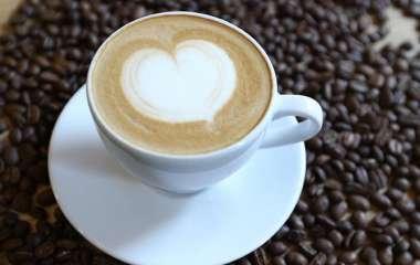Врач назвала лучшее время для употребления кофе