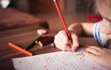 Как научить ребенка красиво писать – первые шаги обучения письму