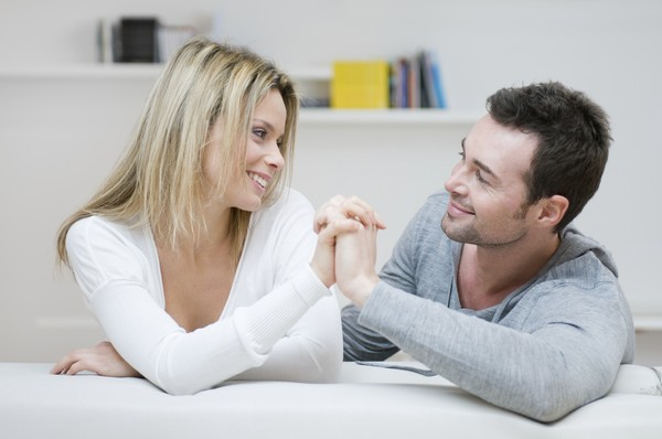 Женщины любящие молодых знакомства