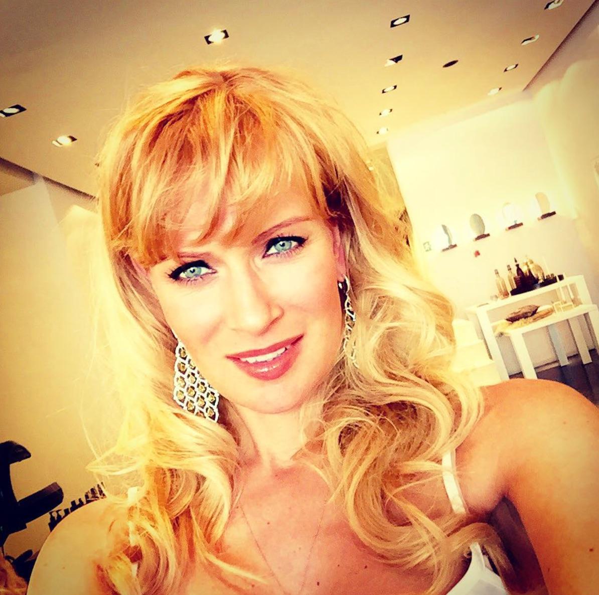 Олеся Судзиловская покорила красотой на новом портретном фото