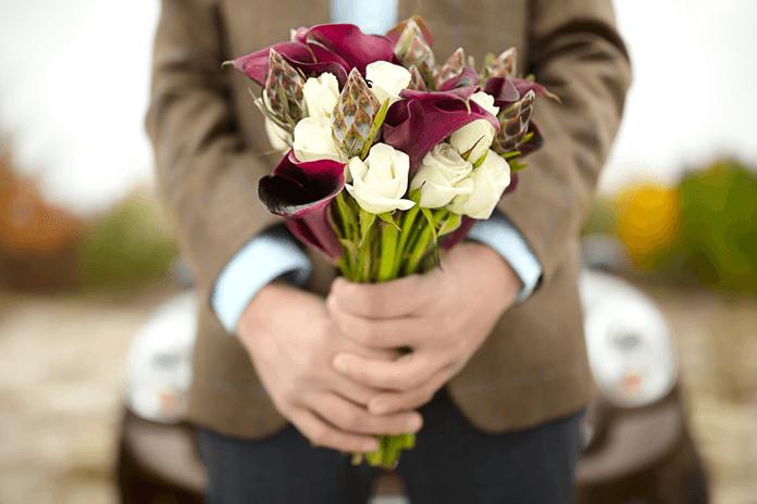 Какие цветы можно подарить мужчине на день рождения