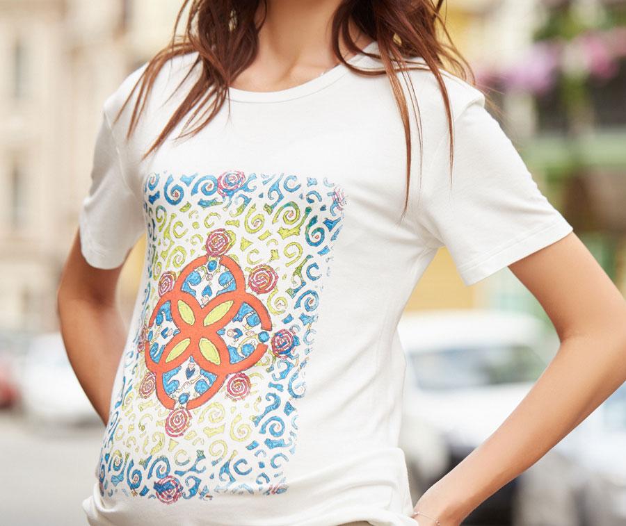 Выбираем женские футболки с принтами на лето