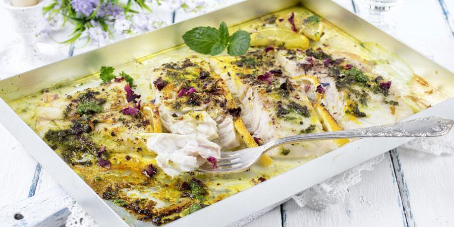 Попьеты из мерланга с морепродуктами и шафраном