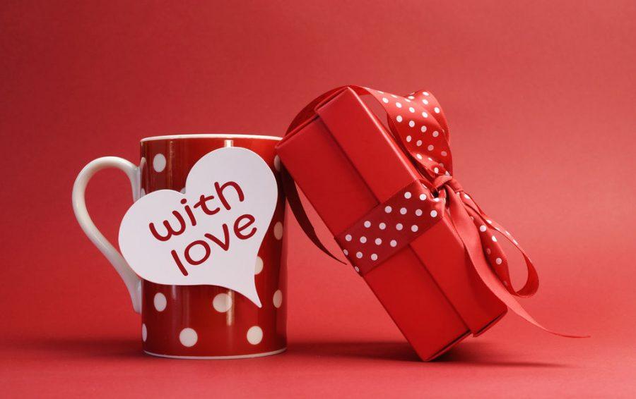 Подарки на 14 февраля для мальчика своими руками