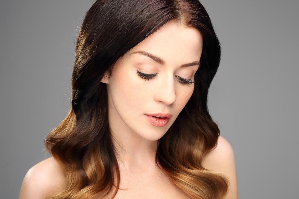 Как красиво уложить волосы с помощью фена