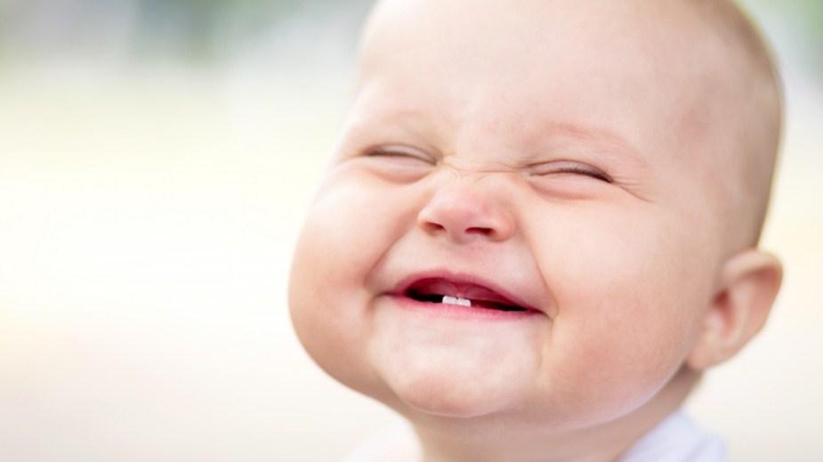 Режутся зубы: как помочь малышу?