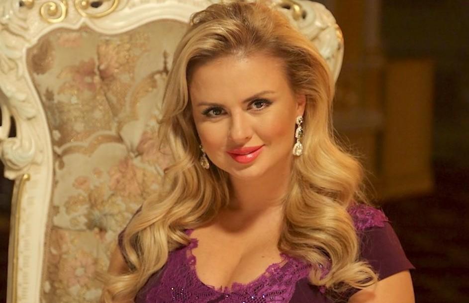 Анна Семенович хочет на свидание