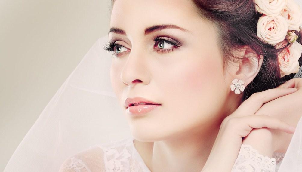 Макияж к 8 Марта: 3 идеи для весеннего макияжа