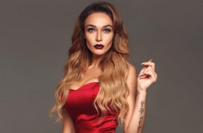 Алена Водонаева продемонстрировала голую попу
