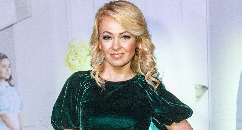 Яна Рудковская облачилась в пышную юбку