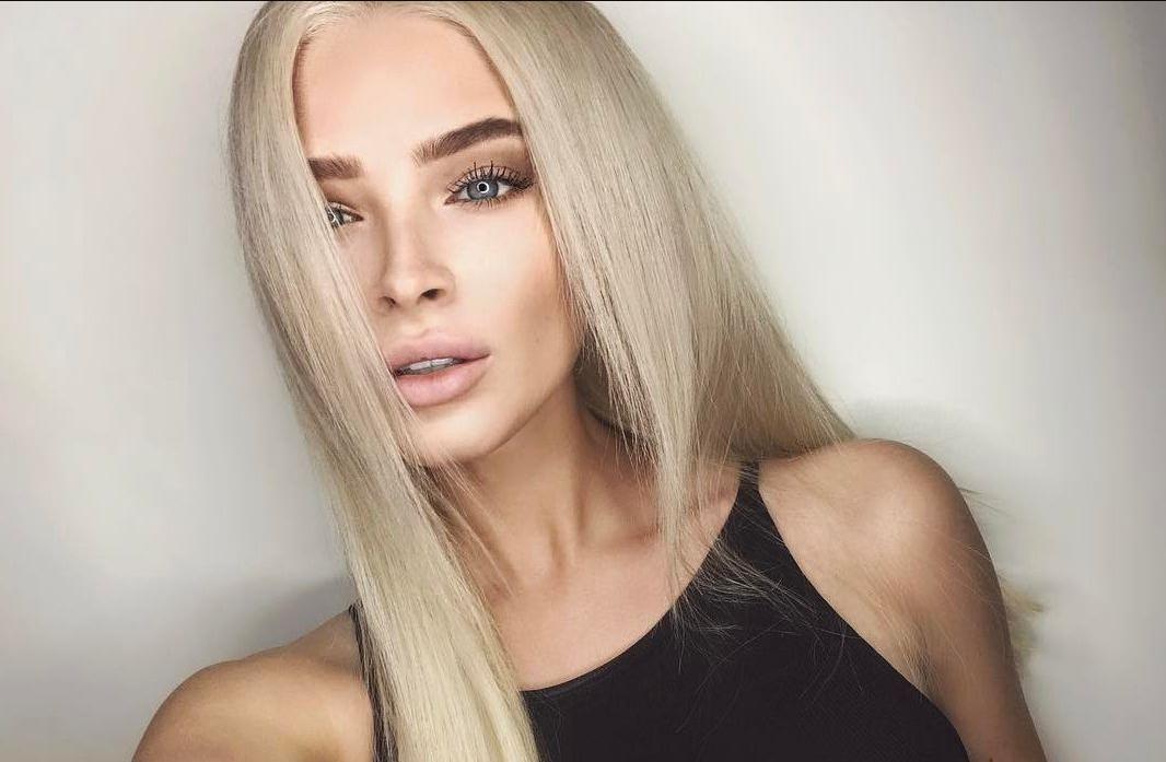 Алена Шишкова похвасталась фигурой