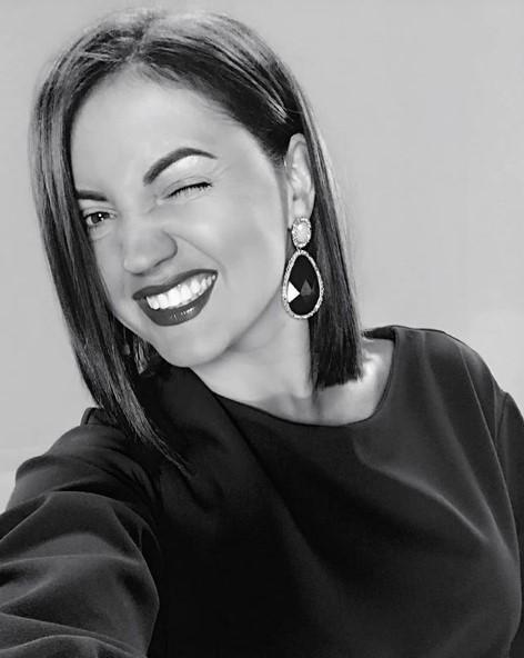 Оля Цибульская черно-белый портрет