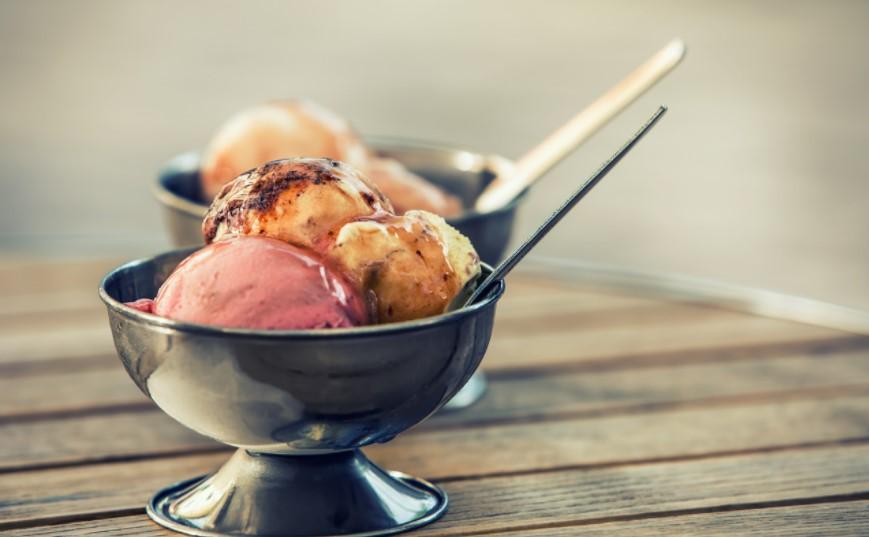 Готовим вкусный десерт или несколько слов про мороженицу