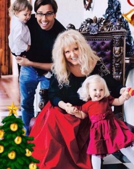 Алла Пугачева и Максим Галкин с детьми фото