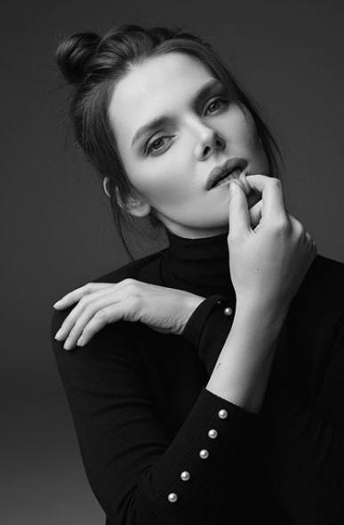 Елизавета Боярская черно-белый снимок