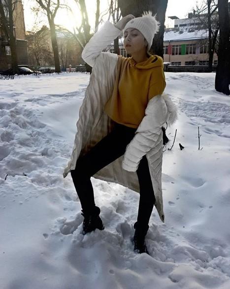 Маша Полякова в стильном аутфите фото