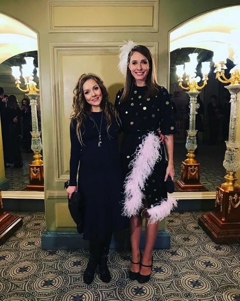 Алена Шоптенко в черном платье фото