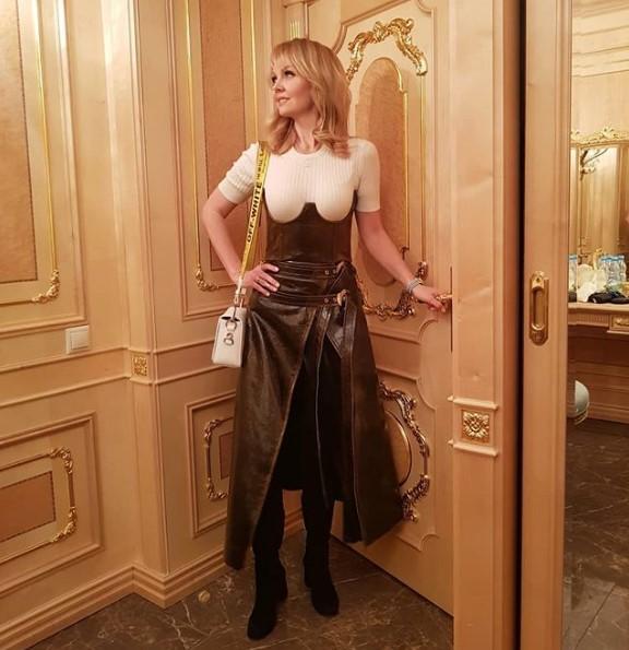 Валерия в платье фото
